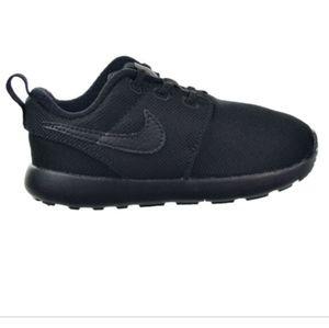 Toddler Nike roshe trainers